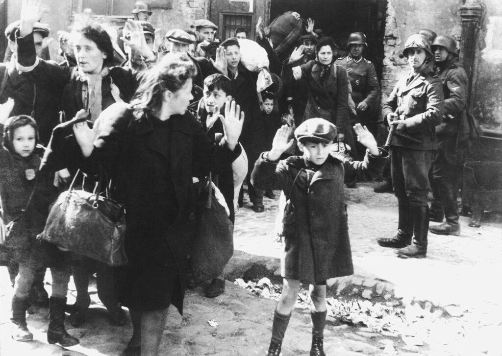 Juifs capturés dans le Ghetto de Varsovie (Auteur Inconnu)